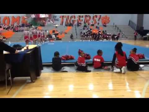 Bethel Tate middle school cheerleaders