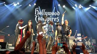 School's Out - HOLLYWOOD VAMPIRES - Alice Cooper, Johnny Depp, Joe Perry - live in Zürich 3.7.2018