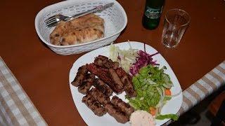 旧ユーゴスラビア・コソボ・プリズレン市のレストランでコソボ料理堪能!AJDO-restaurant,Prizren,Kosovo