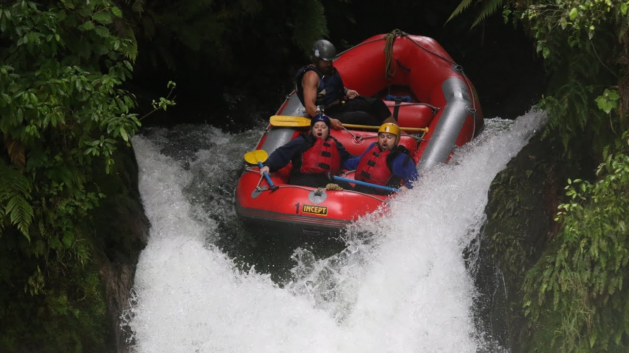 kaituna river rafting new zealand 21ft waterfall. Black Bedroom Furniture Sets. Home Design Ideas