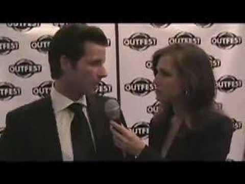 KISS THE BRIDE - Philipp Karner on Tori Spelling - OUTFEST