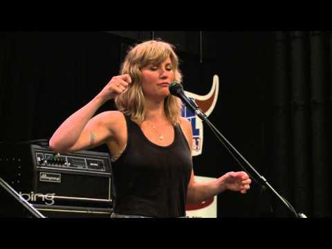 Jennifer Nettles - Interview (Bing Lounge)
