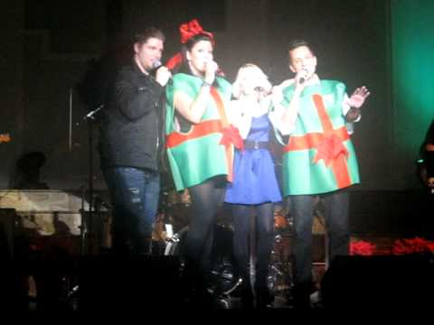 Oxford Christmas gifts sing