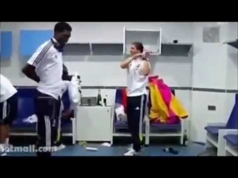 Asamoah Gyan vs Adebayor Azonto Dance(watch)