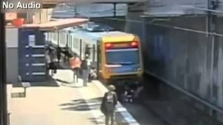 [RAW] Close call for elderly man almost hit by train in Australia Thumbnail