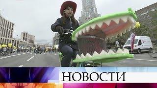 ВМоскве начался традиционный велопарад.