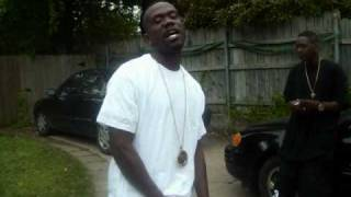 LIL DUCE JUS ANOTHER DAY COMIN UP IN THE HOOD