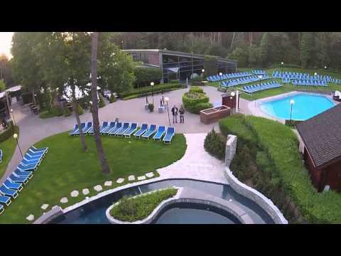 Spectacularie Drone vlucht over - Hezemeer Wellness & Sauna - Eindhout België