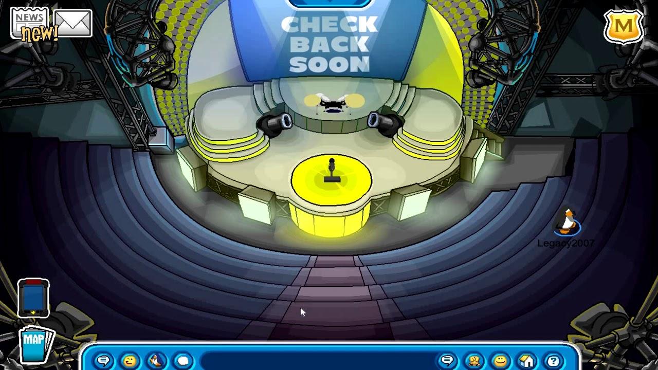 Secret Room Glitch at Iceberg | Club Penguin Rewritten