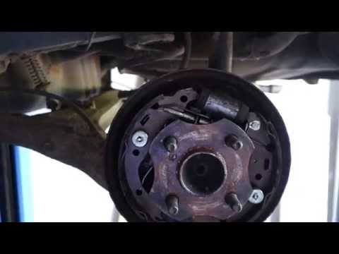 Replacing Rear Brake Drums And Pads On A 2000 Toyota Co