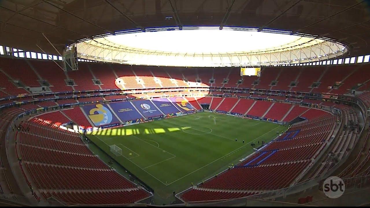 Chegada da seleção brasileira ao estádio Mané Garrincha para jogo contra a Venezuela
