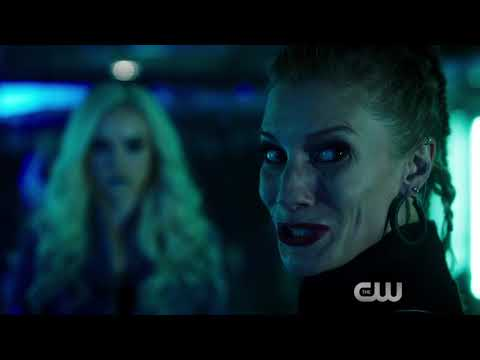 Exclusive : Killer Frost Confronts Katee Sackhoff in The Flash S04E05