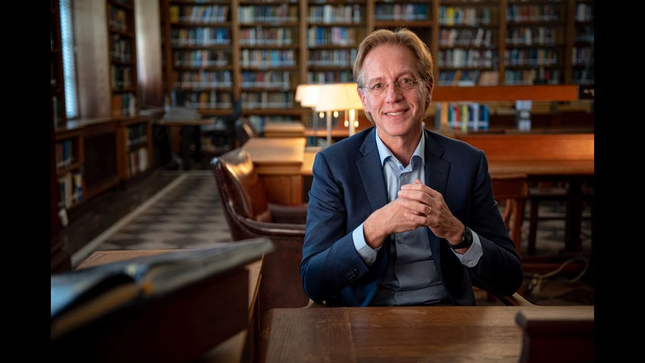 Robert Dijkgraaf: 'Connecting with innovative European networks'