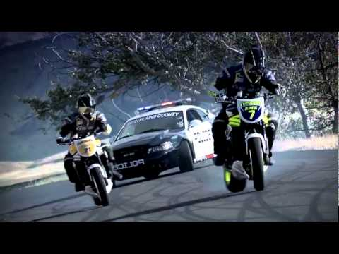 Motorcycle vs Car Drift Battle (Video balapan paling keren di Youtube?)