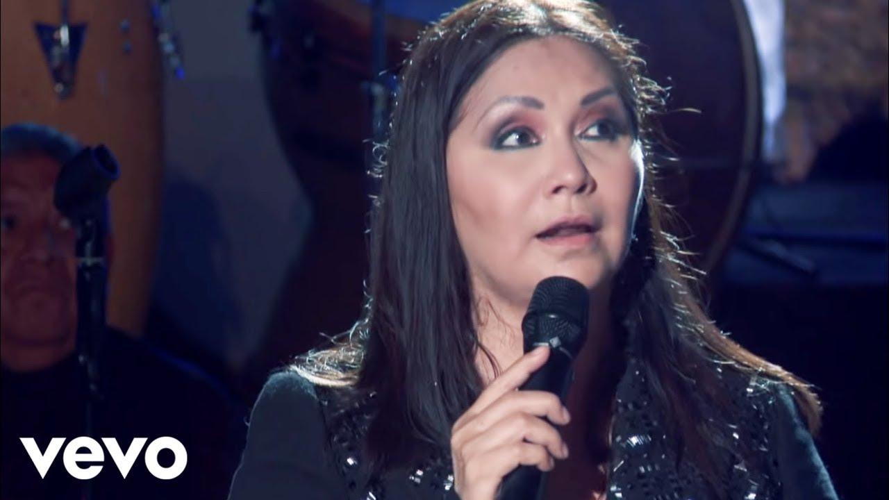 Ana Gabriel - Huelo a Soledad (Altos de Chavón Live Video)