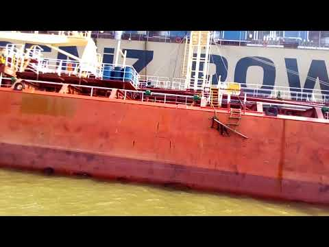 Kapal PLTU TURKI KAWADENIZ POWER SHOP ONUR SULTAN bersandar di termaga medan..