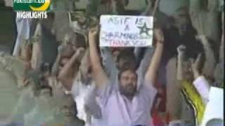 Repeat youtube video Cricket_  Mohammad Asif wickets against India and Sri Lanka.mp4