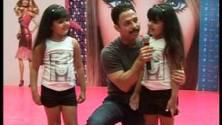 Bollywood World - Mickey Mehta inspiring kids with a Barbie