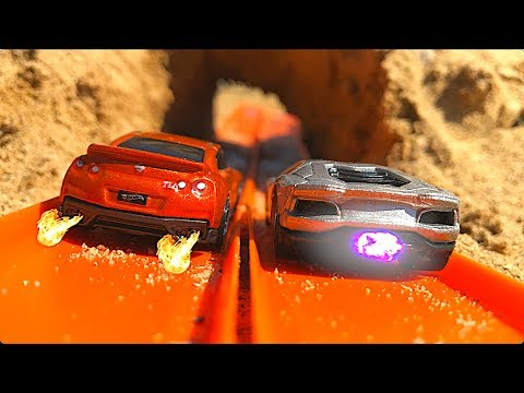 Hot Wheels GT-R Vs Aventador!