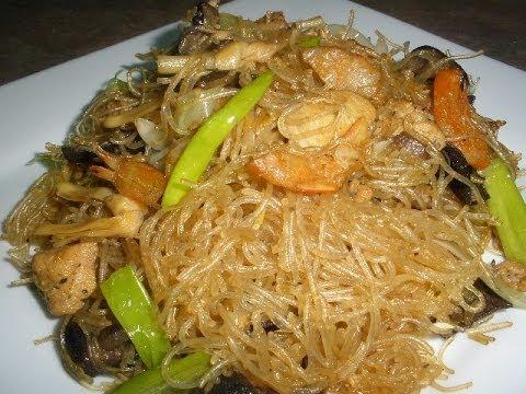 Stir-Fried Egg Noodles (Mi Xao Mem) | Doovi