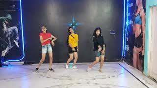 Mein Chali Dance cover video | Urvashi kiran sharma by Starzz Dance Fitness Academy
