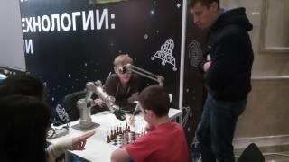 Играем в шахматы с компьютером(, 2016-10-09T18:57:43.000Z)