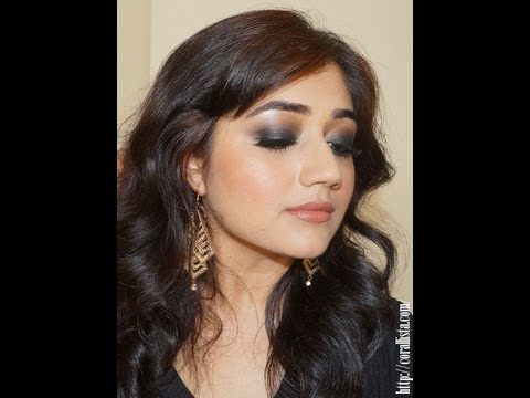 Tutorial: Classic Black Smokey Eyes Makeup