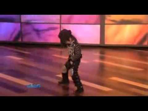 Cậu bé 4 tuổi nhảy như Michael Jackson.flv