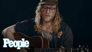 Allen Stone Performs Soulful Song