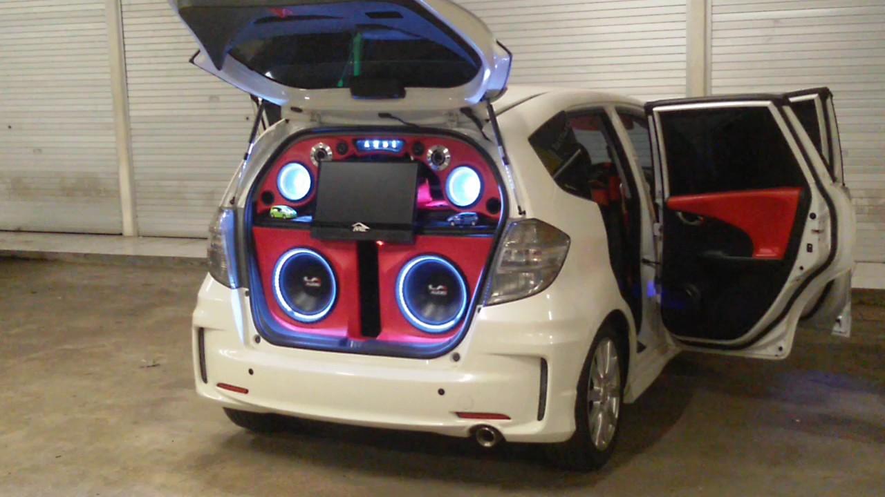 Modifikasi Mobil Honda Jazz Full Audio Terkeren | Kumbara ...