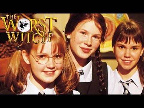Worst Witch Episodes, the Worst Witch Book, & New Worst Witch Chat!