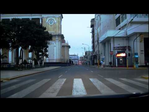Chiclayo, Perú Tour Video - Early Morning Drive, Light Traff
