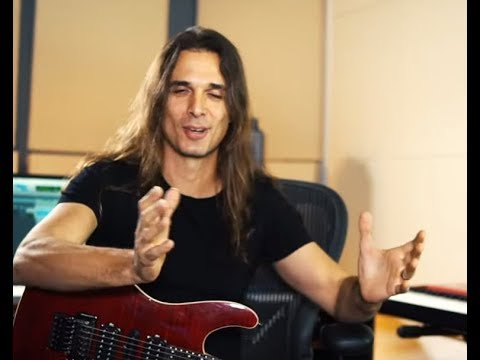 Kiko Loureiro's favourite Megadeth guitar solos - Spirit Box Bleach Bath video