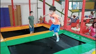 Kids Jumping on the Trampoline Learn Colors Kids Song
