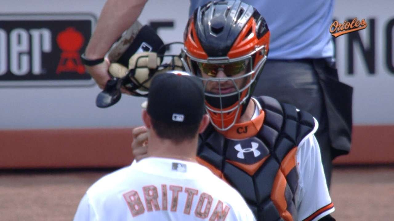 Miley struck by 2 line drives, but Orioles top White Sox 4-2