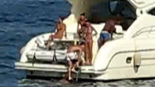 Hamsik e Santacroce acrobazie in acqua 2