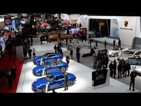 Crisis overshadows Paris Motor Show
