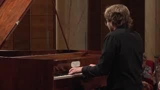 Krzysztof Książek – J.S. Bach, Prelude and Fugue in B minor, BWV 893 (First stage)