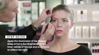 Mecca Masterclass: The Secret to Perfect Winged Eye-Liner Thumbnail