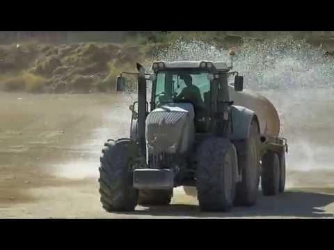 Fendt 927 Vario Tractor with water tanker
