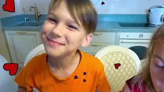História Sobre Ovos Surpresa Coloridos Brinquedos para Crianças e Músicas Infantis | Five Kids