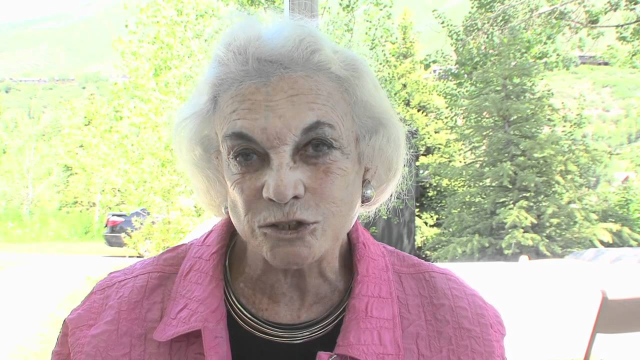 Is Sandra Day O'Connor Still Alive? Yes.