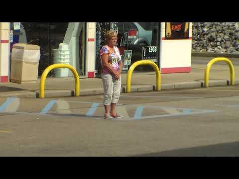 Weird gangstalker lady in Henderson,Kentucky