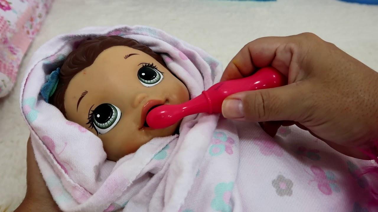 CUIDANDO DA MINHA BONECA BABY ALIVE AMANDINHA E BUBU