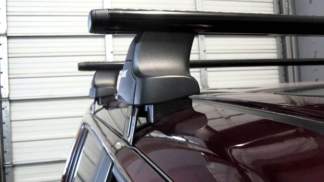 Honda Pilot SUV with Thule 480R Traverse AeroBlade Roof ...