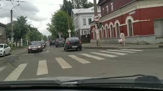 Кострома красивый город. Девочка с палкой. #кострома#костромалюбовьспервоговзгляда#костромацентр
