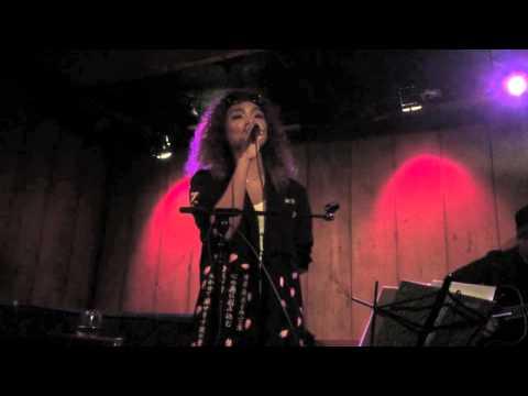 Crystal Kay - 恋におちたら (Koi ni Ochitara) (Acoustic Live in New York)