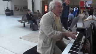 Repose Beethoven, Gare d