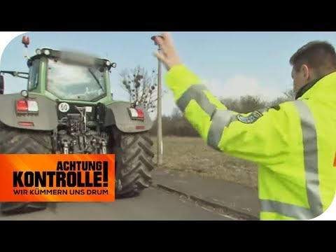 Trecker-Kontrolle: Polizist kontrolliert seinen Nachbarn! Ist alles in Ordnung? | Achtung Kontrolle