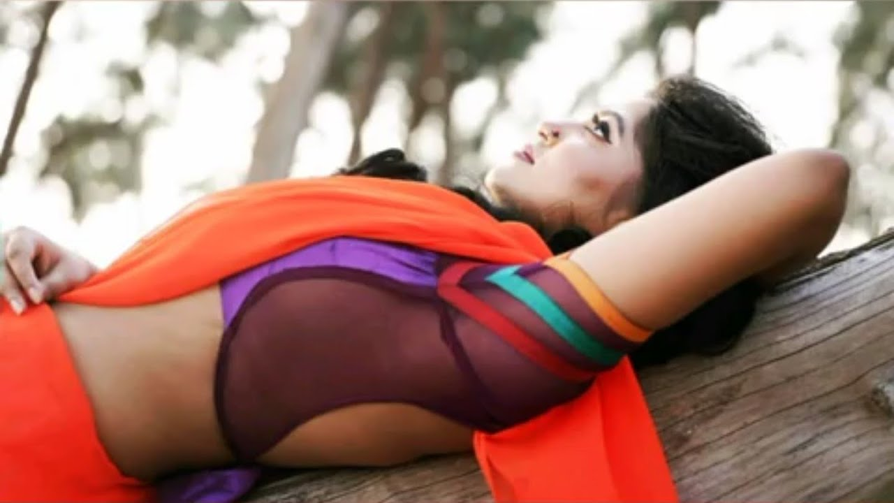 Download Hot girls back, side and front / Hot girl photo shoot/ Triya Das Saree dropping
